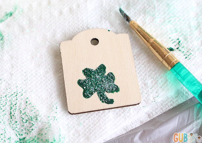 kid friendly craft shamrock backpack bead dangler-customize