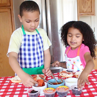 kids cookin lunch time