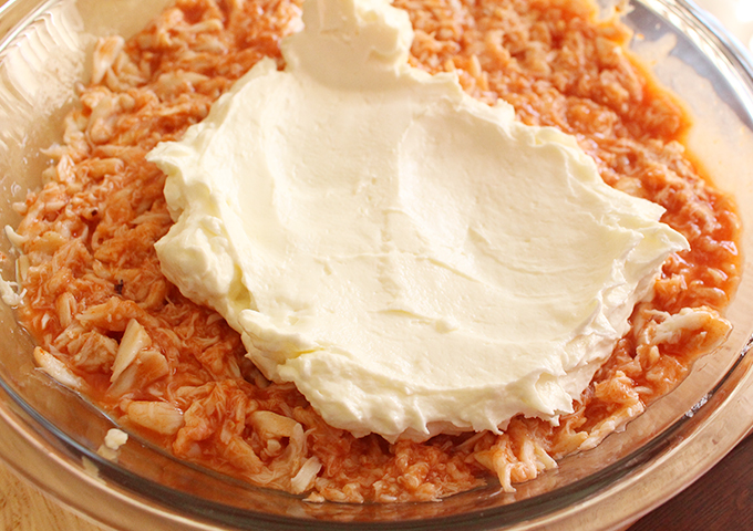 buffalo-crab-dip-cream-cheese-mix