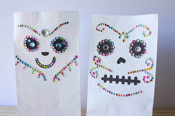 jeweled-sugar-skull-treat-bags