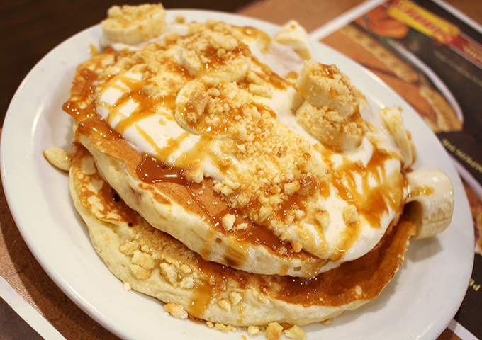 salty-caramel-and-banana-cream-buttermilk-pancakes